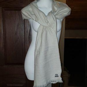 NWT Steve Madden Ivory Blanket Scarf